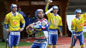 J-M Jaatisen lyönti oli jengassa läpi ottelun. Kuva: K-Media/Jukka Ketonen